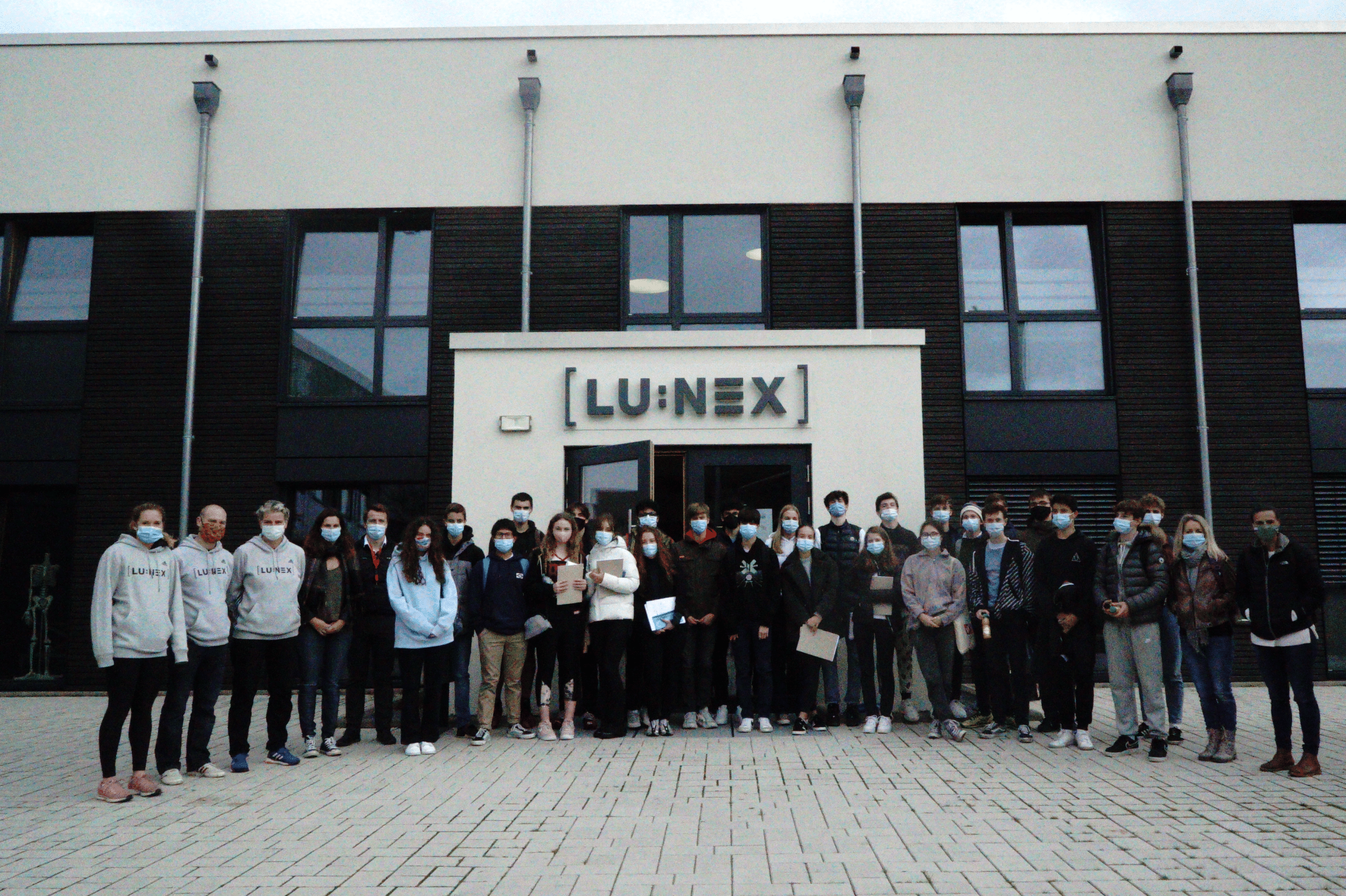 Group picture of the International School of Luxembourg students during the Sport Science Days Project